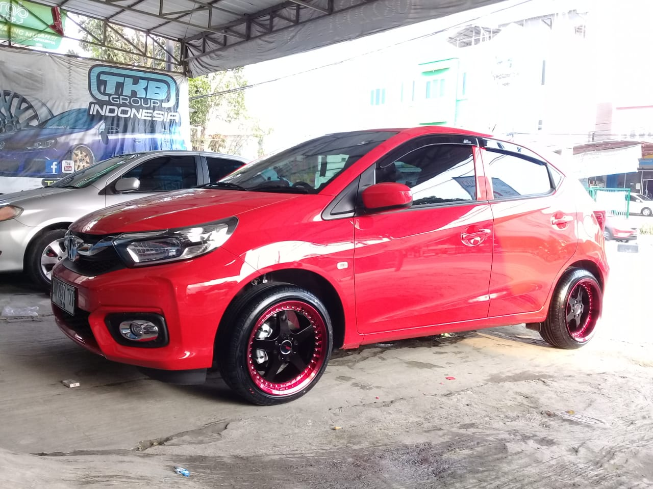 Brio RS Modifikasi Velg Celong Ring 16 HSR Armbar
