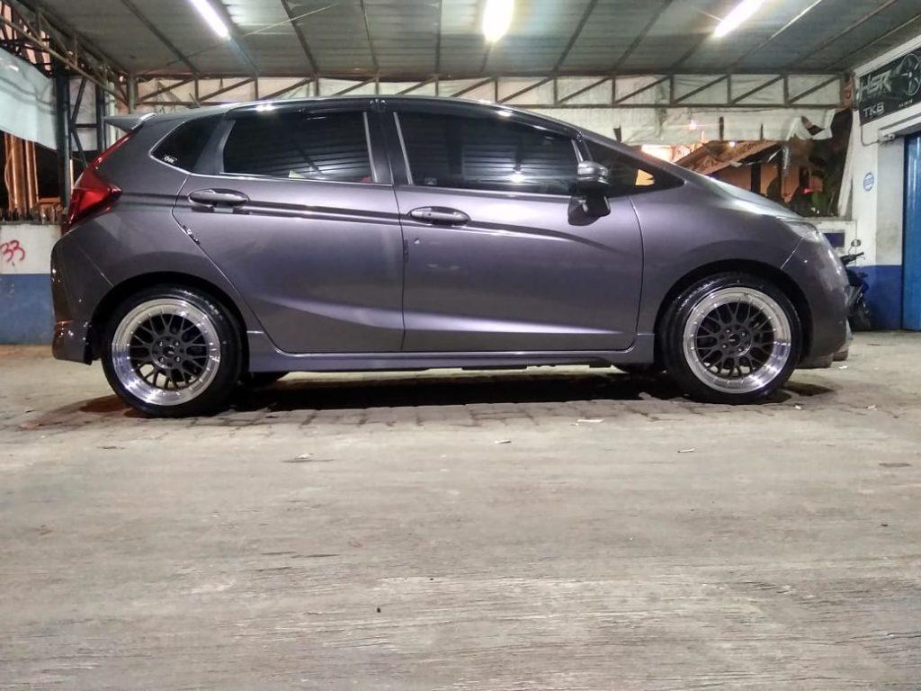 Modifikasi Mobil Jazz Ring 17 Lemans HSR Toko Velg Bekasi