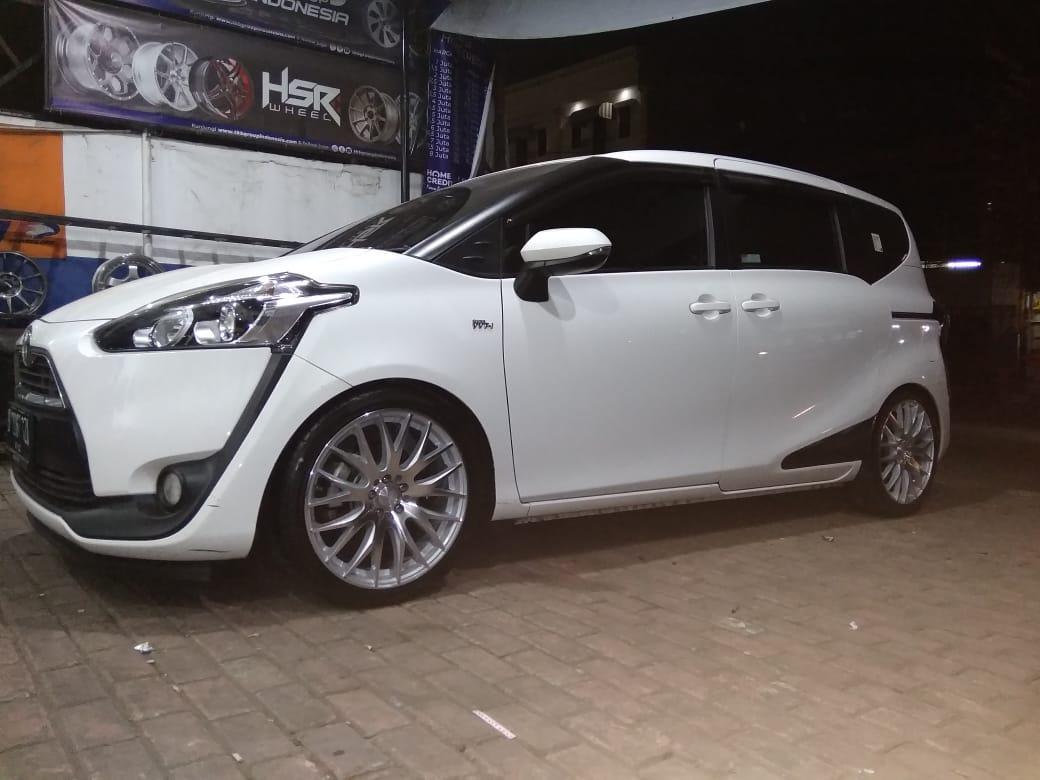Toyota Sienta Velg Ring 18 HSR Harapan Indah