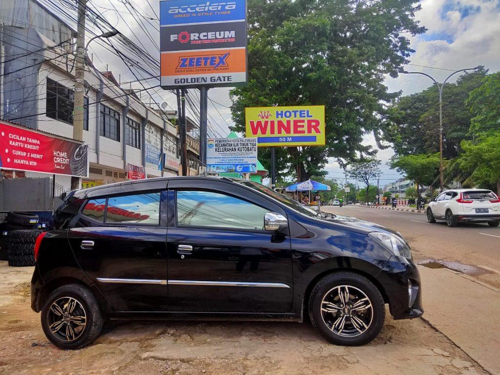 Mobil Ayla Pakai Velg Hsr Merkin Ring 14 Di Palembang