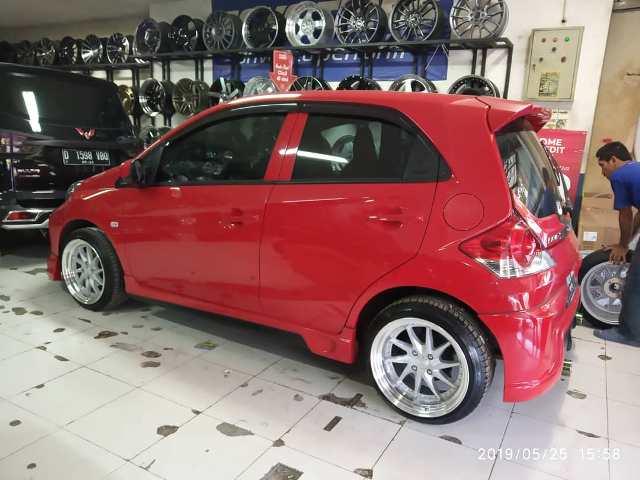 60 Modif Mobil Brio Merah Terbaik
