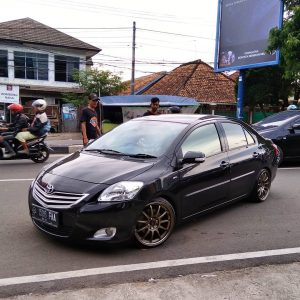 Modifikasi sedan Toyota Vios Bergaya Sporty