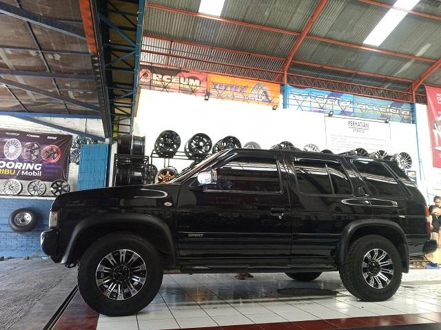 Modifikasi Nissan Teranno Pasang Velg HSR Ring 15 Kota Bojonegoro