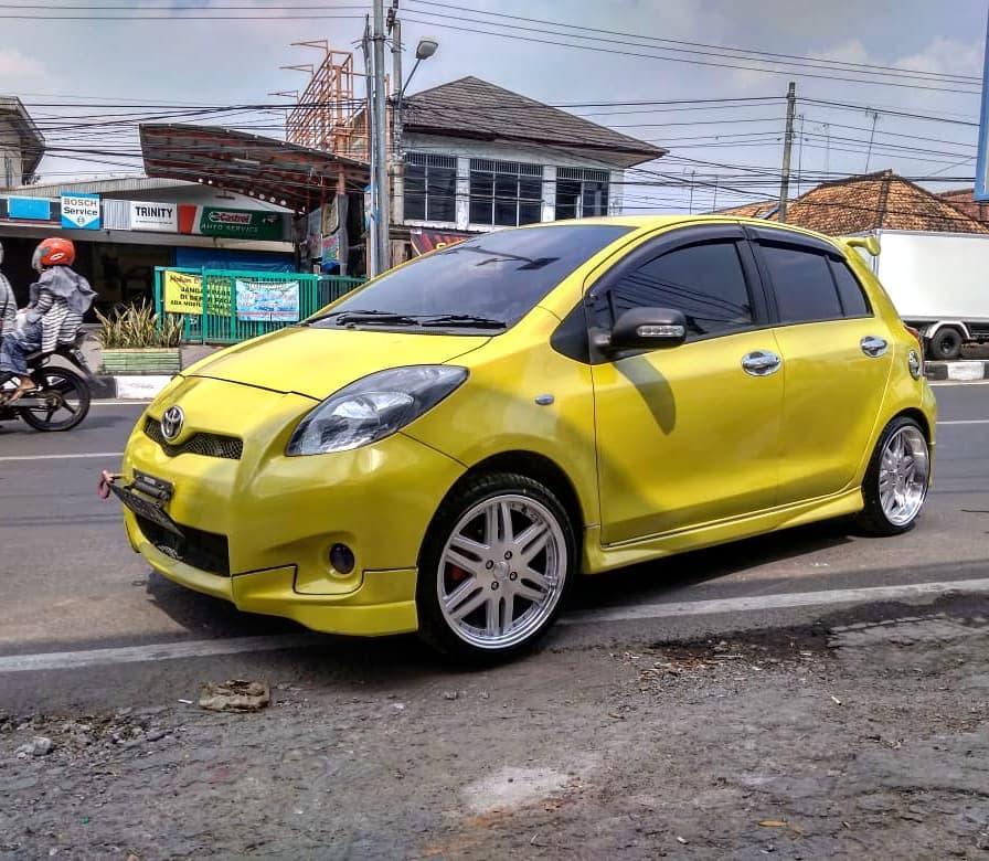 Toyota Yaris Modif velg HSR di toko Ontrack Serang