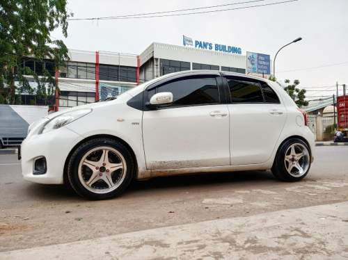 Velg Celong Ring 16 Yaris