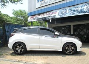 Honda HRV Pakai Velg Leaf HSR Ring 18 (2)