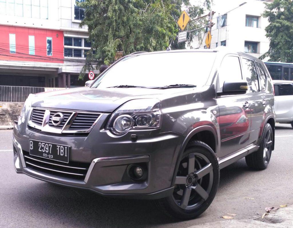 Mobil Nissan X-trail Pakai Velg Mobil HSR Steve R18 - Di Bekasi