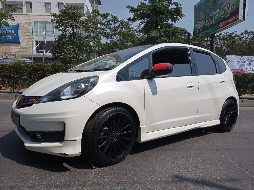 Honda Jazz Rs Pakai Velg mobil HSR Tsukuba R17 SMB Di Pondok Gede