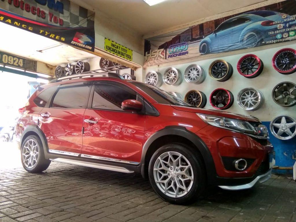 Modifikasi Honda BR-v Pakai Velg HSR MYTH01 Ring 18 Di Bekasi Utara