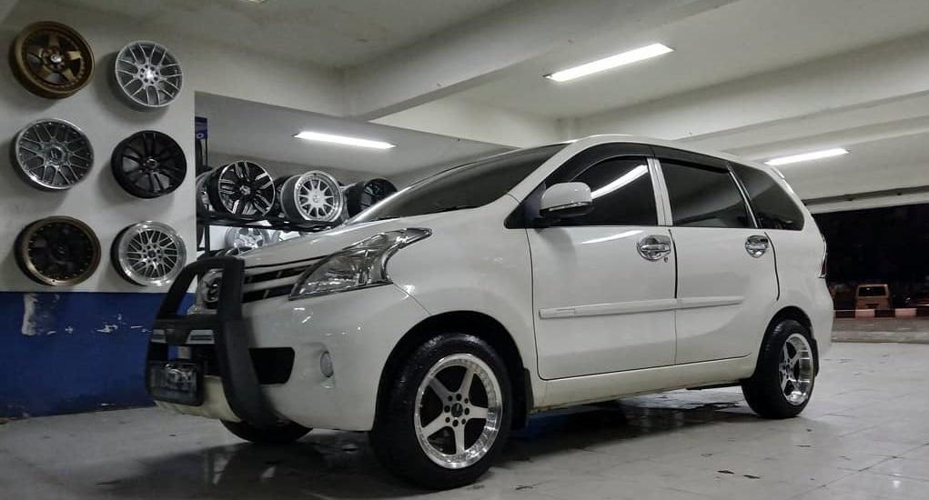 Toko Ban Mobil Jakarta Selatan