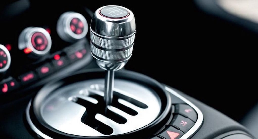 Mobil dengan Transmisi Manual