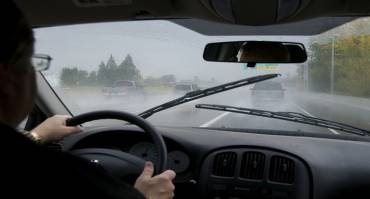 Kaca Mobil Berembun, Atasi dengan Cara ini