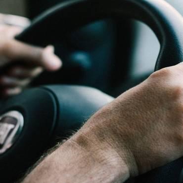 Cara Mendeteksi Kerusakan Pompa Power Steering