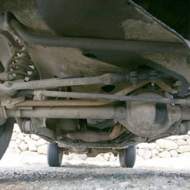 3 Tanda Gardan Mobil Rusak yang Perlu Kamu Ketahui!