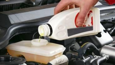 Penting, Inilah 3 Tips Memilih Minyak Rem Mobil yang Tepat!