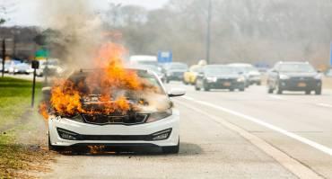 Penyebab Mobil Kebakar, Kenali 4 Hal Ini Sebelum Terlambat!