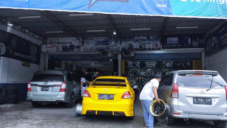 Toko Velg dan Ban Mobil Surabaya