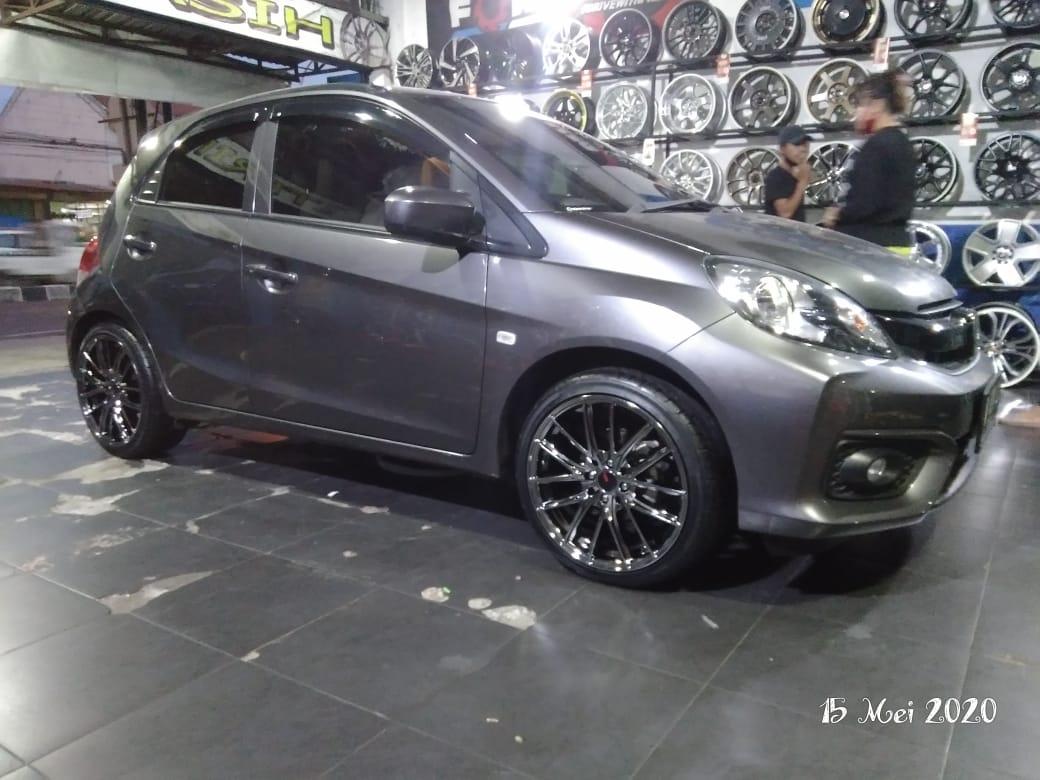 Modifikasi Honda Brio Jogja Pakai Ring 17 Xtreme Wheels