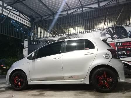 Toyota Yaris Salatiga Modifikasi Pakai Velg Ring 15